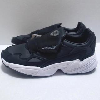 新品 23.5cm adidas ファルコン ブラック