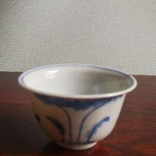 白磁染付煎茶茶碗。時代物です。