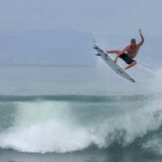 サーフィンやりたい方一緒にやりましょう(^-^)