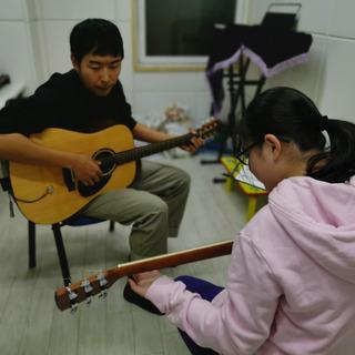 横浜中華芸術学校 ギター教室