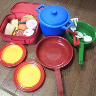 ボーネルンド Hape ままごと食材、鍋、お玉、お皿