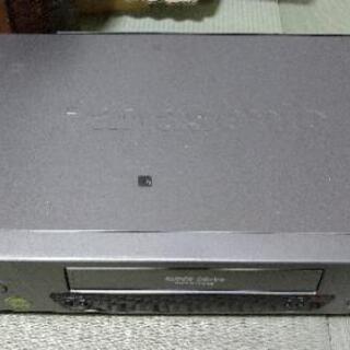 VHSビデオデッキ パナソニック NV-110