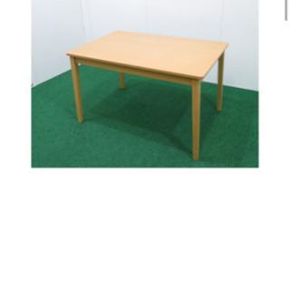 お話中 ダイニングテーブルと子供椅子×2