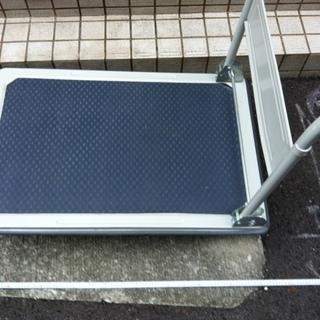 双日九州株式会社 荷重200kg OK、大型折りたたみ台車ほぼ新...