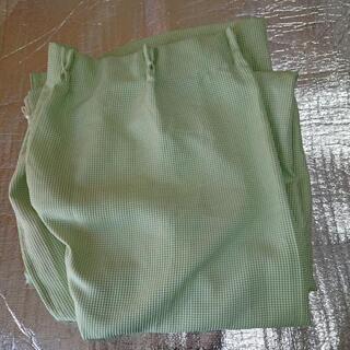 若草色カーテン、幅100㎝、たけ198㎝,一組
