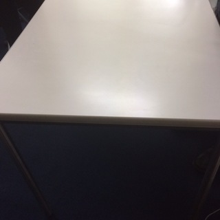 【無料】オフィスのテーブル差し上げます!MTGなどでお使いになり...