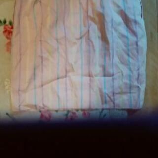 ピンククレージュのスカート