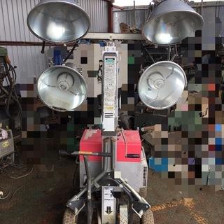 新ダイワ 投光器付き発電機 HEG20M 4灯 つきます