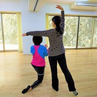 『60歳から始めるバレエ』『60歳から始めるストレッチとエクササ...