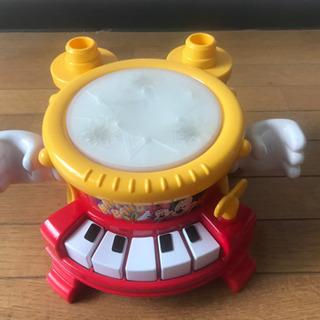 電子太鼓兼ピアノ