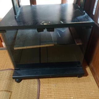 テレビ台、収納