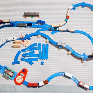 ★トミカ★プラレールセット(列車23台とレール)