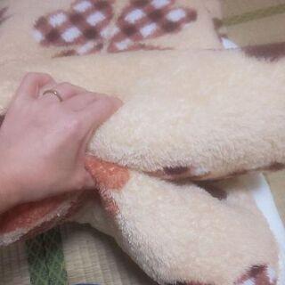 ほぼ保管のみ 毛布 綿入り 厚め 暖かい 布団 子供