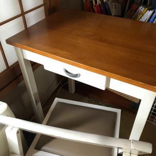 シンプルで可愛い♡学習机