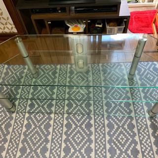 ガラス製テレビ台