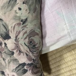 日本製のシングル敷布団と古い布団 − 福岡県