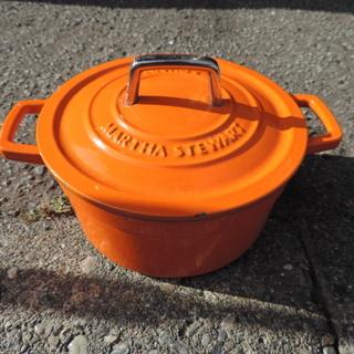 キャンプ用なべ ホーロー オレンジ キャンプで使用