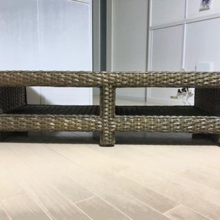 籐のテレビ台