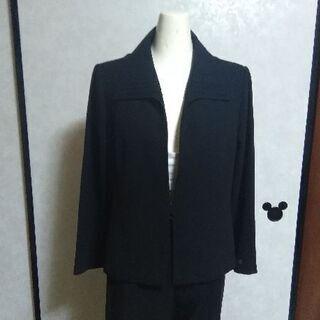 13号の黒の上着です。冠婚葬祭にいかがですか?