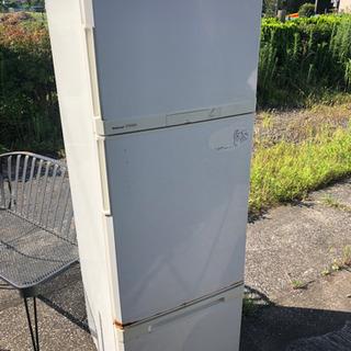 冷蔵庫 ジャンク 稼働しますが、経年劣化前提