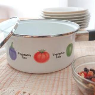 ホーロー方手鍋 直径18センチ 箱つき (残り3個)