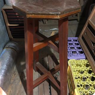 椅子または花台 取引中