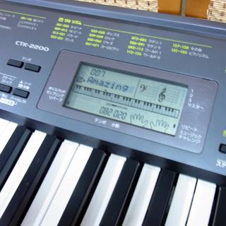 カシオ 電子ピアノ 電子キーボード 61鍵盤 CASIO CTK-2200 ACアダプタ付き - 楽器