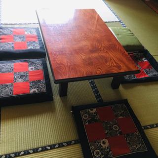テーブル、坐布団5個、新品カバー5枚保管品