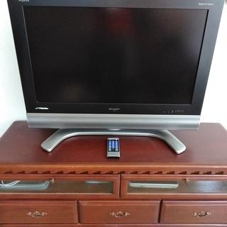 Sharp Aquos32インチテレビとテレビ台セットで10,0...