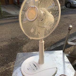中古 Iwatani 扇風機 2007 白