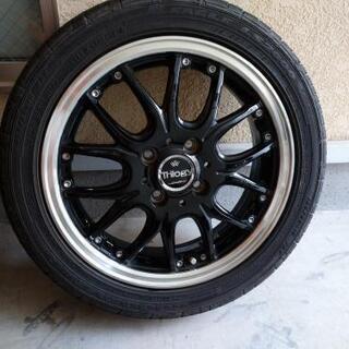 タイヤ付きホイール四本セットです。