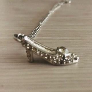 シンデレラのガラスの靴のネックレス(ディズニー)