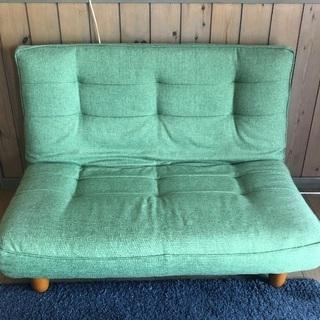 二人掛けと一人掛けソファーのセット