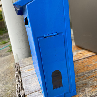 青色のポスト