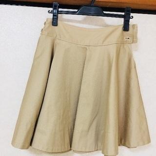 LUCA で買ったスカート ひざ上