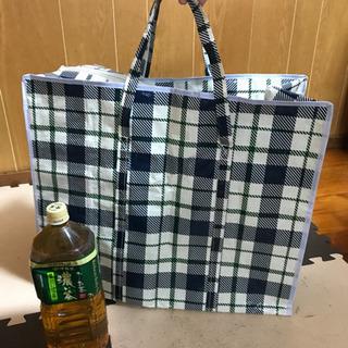 マイバッグ、保冷用とビニールのデカいやつ2枚 − 沖縄県