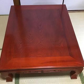 天然木のセンターテーブル