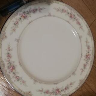 大きめ平皿5枚 Noritake