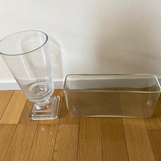 主にガラスのフラワーベース