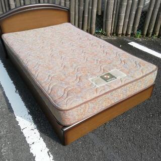 セミダブルサイズのベッドセット、お売りします。