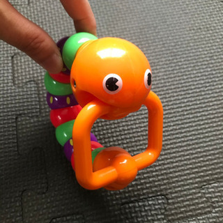 ベビーおもちゃ ベビー 口に加えたりクネクネ動く ピープル