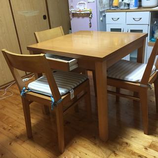 値下げ ダイニングセット(食卓と椅子三脚 )
