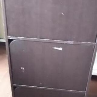 ニトリ三段ボックス扉付き(傷あり)