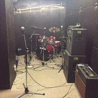 【音楽好き必見】気軽に練習ができる軽音楽スタジオ!アンプなど常設...