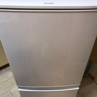 冷蔵庫譲ります(2015製)