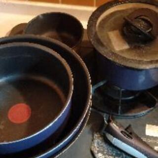 フライパンや鍋一式