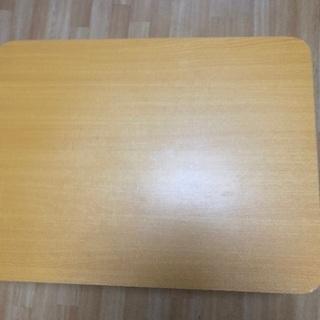ニトリ木目調テーブル
