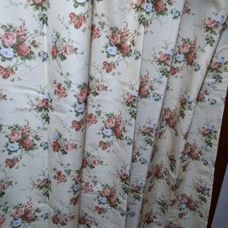 新品 花柄厚地カーテン 2枚組幅100cm×丈78cm