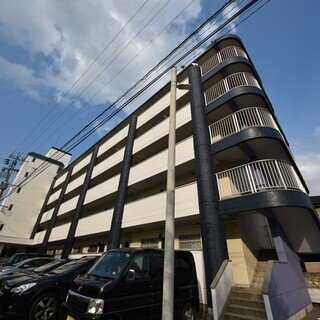 👨フルリノベーションの広々2LDKに、たったの2万円で入居可能👨...