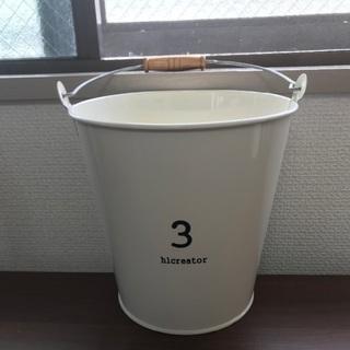 3コインズ バケツ 100円 8/14.15自宅近くのコンビニま...